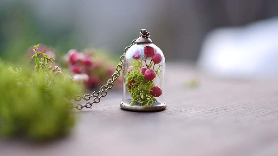 Collana campana piccola con Pepe rosa e Muschio