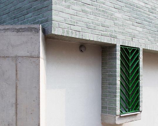 홍은동 남녀하우스 방범창 나뭇잎 무늬 초록