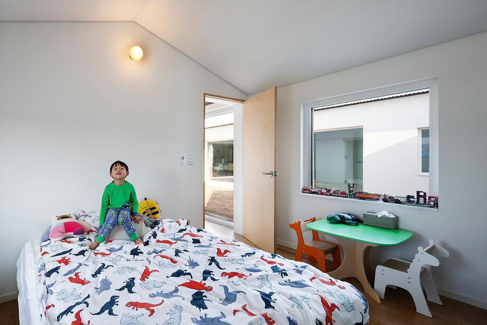 음성 디귿집 농가주택 아이방 어린이 에이오에이