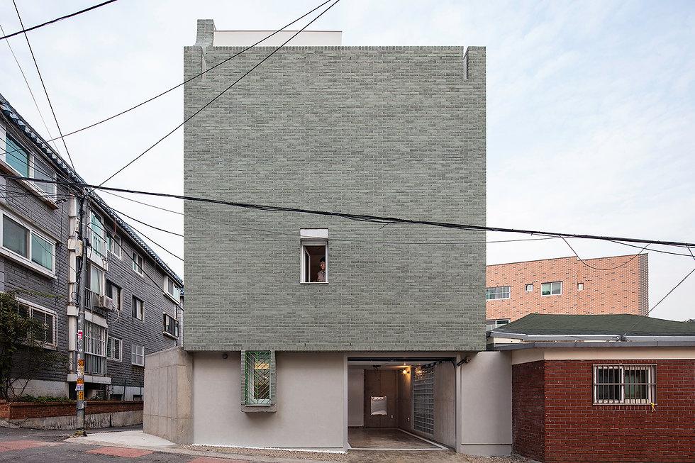 홍은동 남녀하우스 도로면 초록벽돌 주차장