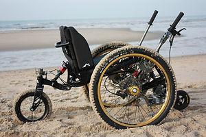 車椅子,mountain trike,マウンテントライク,アウトドア用車椅子,オフロード用車椅子,all-terrain wheelchair