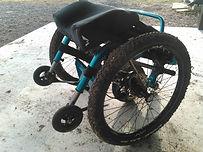 オフロード用車椅子,マウンテントライク,運搬時,Mountain Trike
