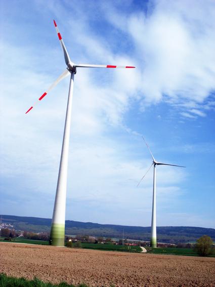 【 People in sight 】 從太陽能到風力 — 再生能源的實踐之路