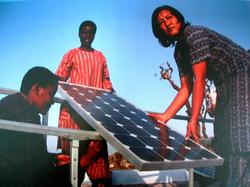 再生能源帶來的光亮與希望 — 印度赤腳學院