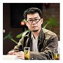 龔卓軍 / 台南藝術大學藝術創作理論研究所教授 / 研究領域橫跨法國當代哲學、現象學、心理學、美學,發表過多篇專論與專書。近年也進行策展、撰寫藝評及城市、社區記憶的考現活動。