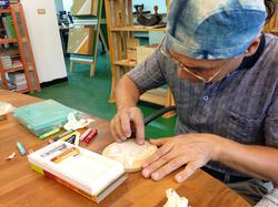 粉蠟筆與木板的結合初探