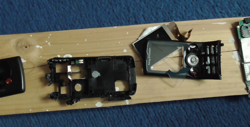 Smashed phone 4.JPG