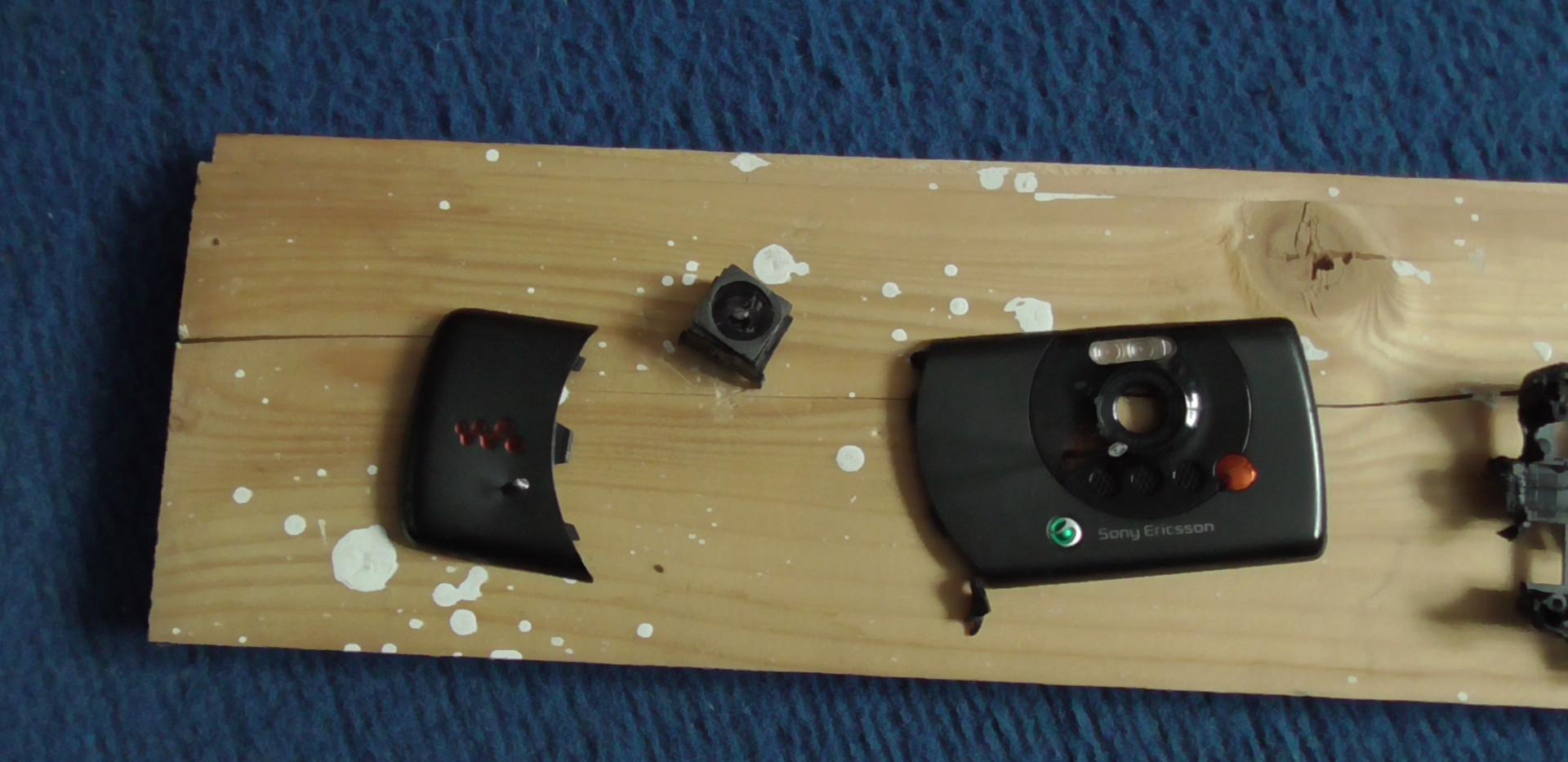 Smashed phone 2.JPG
