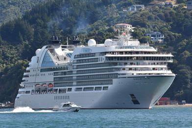 Cruise ship in Pictin Harbor