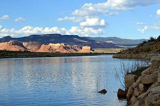 Lago Abiquiu_xs.jpg