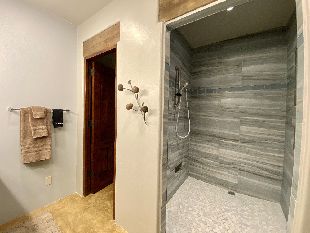 Abiquiu Lake Guest Room Walk In Shower.j