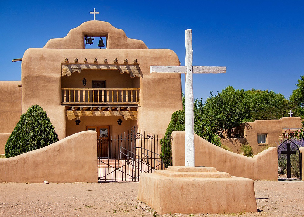 """Abiquiú church Image by <a href=""""https://pixabay.com/users/kgwhite-3283778/?utm_source=link-attribution&amp;utm_medium=referral&amp;utm_campaign=image&amp;utm_content=2613406"""">Kenneth White</a> from <a href=""""https://pixabay.com/?utm_source=link-attribution&amp;utm_medium=referral&amp;utm_campaign=image&amp;utm_content=2613406"""">Pixabay</a>"""