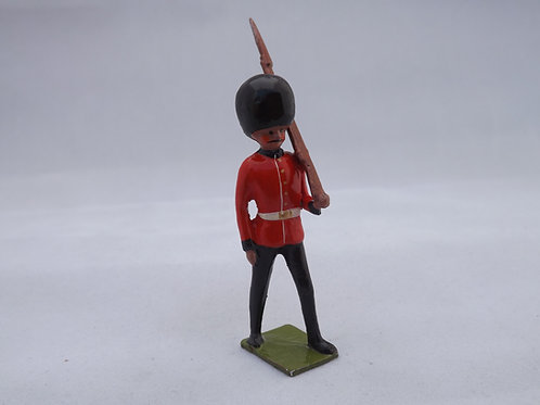 RC3. Guards Grenadier/Welsh Guards  Marching at Slope