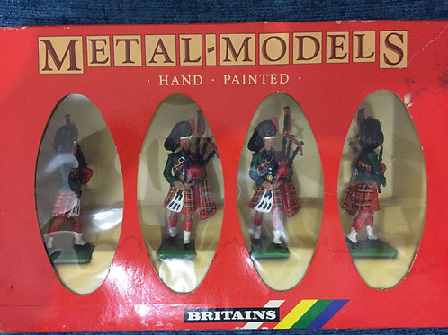 Britains  4 Black Watch Pipers