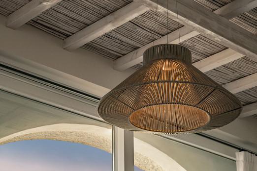 villa-singular-lamparas-estilo-iluminacion