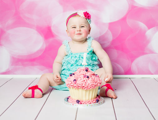 Natalie Jayne Photography, Cake Smash Photo Session with personalised giant cup cake