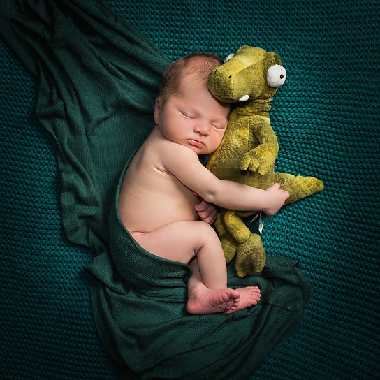 newborn baby photo shoot with teddy, Natalie Jayne Photography