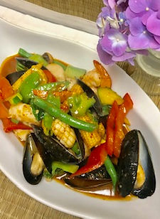 seafood pad talay.jpg