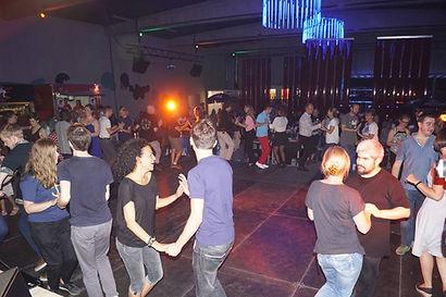 En stor fællesdans, fra en af vores Latin aftener