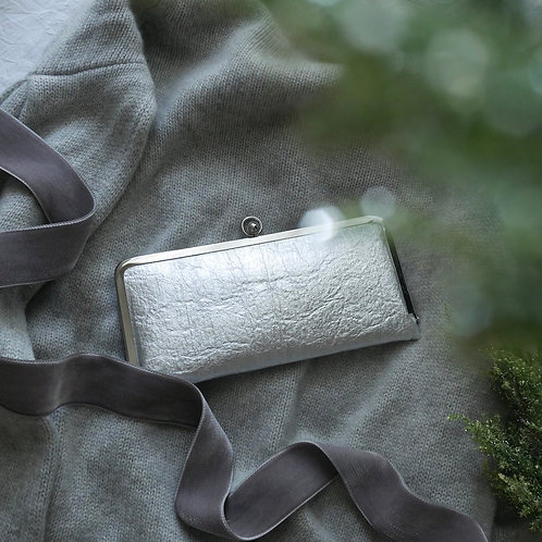 Flat wallet / Metallic silver
