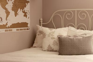 Afternoon Bedroom Makeover in 5 Simple Steps!