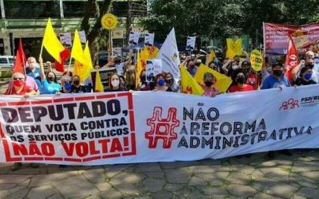Luta contra reforma  administrativa avança