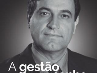 Ex-reitor lança livro sobre gestão