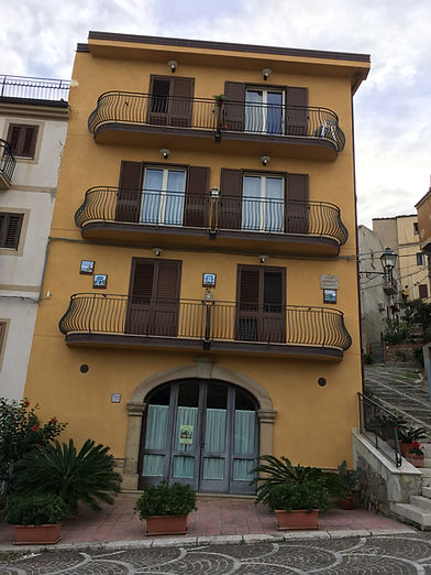 Castel Di Tusa lodging 2nd floor.jpg