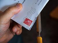 mail-1707817__340_pixabay_hand_öppnar_br