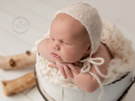 Newborn Session for Baby A and his family with Rachel Burnside Photography