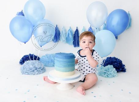 1st birthday cake smash session for Baby L