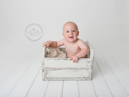 Baby T celebrates his 1st birthday with Rachel Burnside Photography