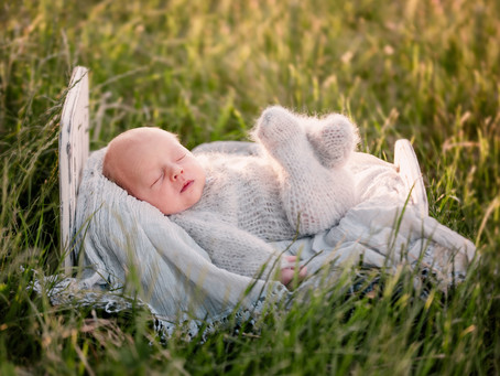 Outdoor Newborn Photography Session