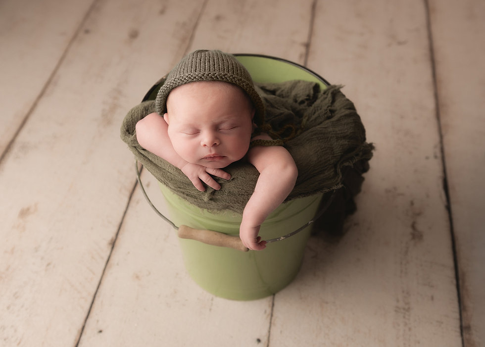 Newborn baby in a bucket photography, Salsibury, Wiltshire