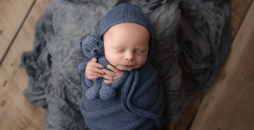 Newborn baby boy photography in blue