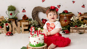 How to choose the perfect theme for your baby's birthday Cake Smash
