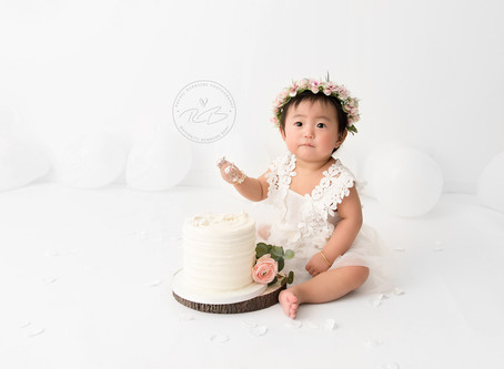 Pure white Cake Smash Session for Baby M's 1st birthday