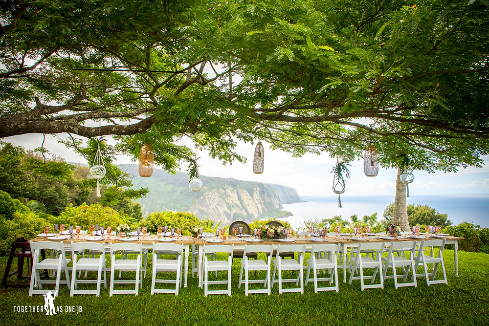 Reasons to have a destination wedding a beautiful view overlooking a cliff