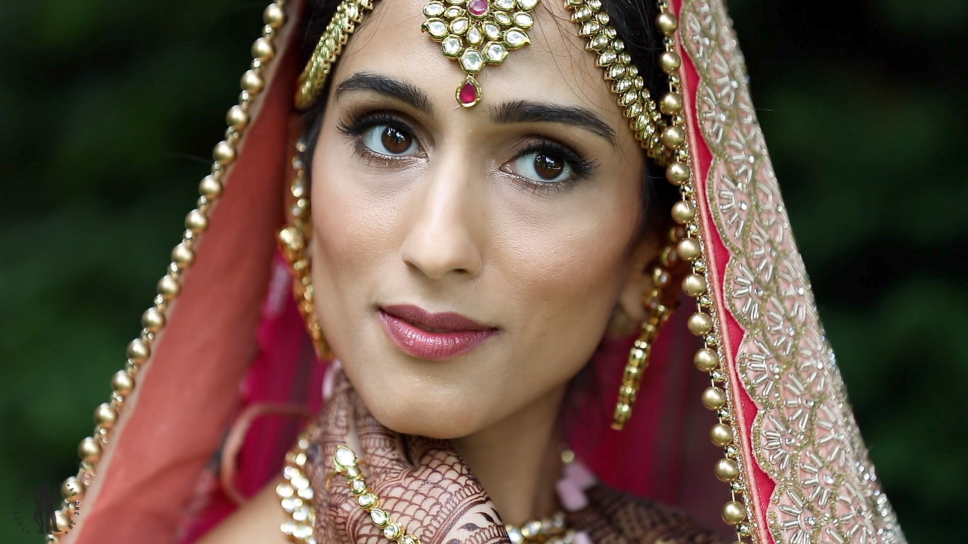 Indian Bride with Maang tikka-1.jpg