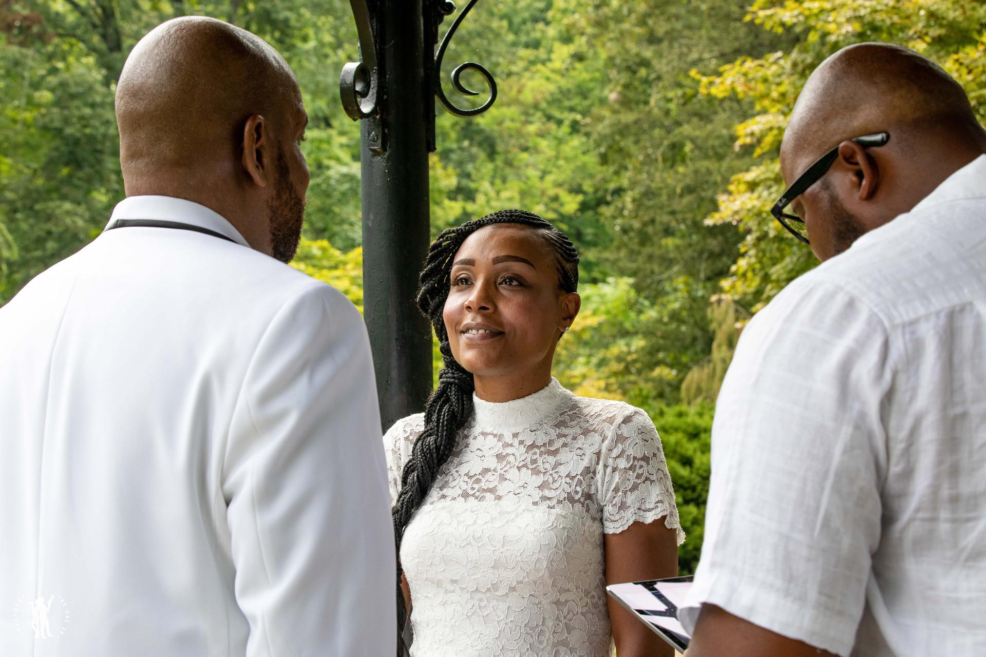 Cincinnati Wedding in Mt Airy Park Elope