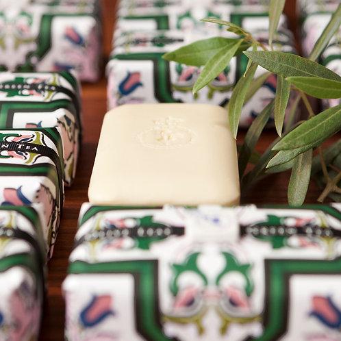 Castelbel Tile Alyvmedžių ir Žaliosios arbatos muilas