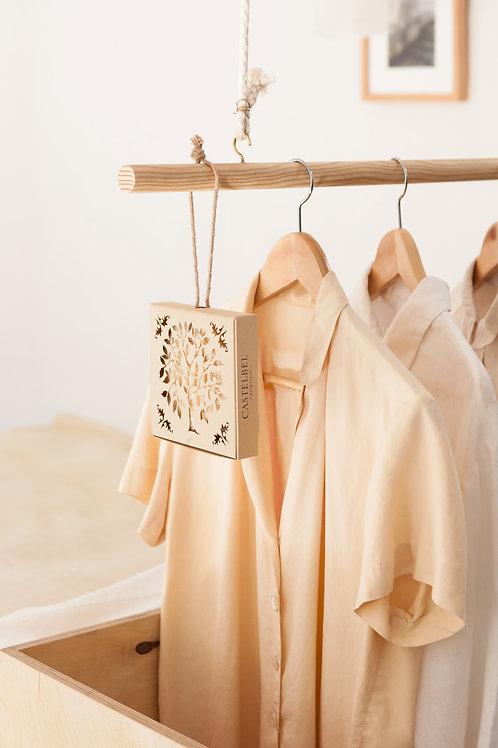 Castelbel Lovebirds Kedro ir rožių muilas – kvapai drabužinei ir spintoms