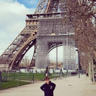 LEO AROUND THE WORLD Paris 🇫🇷
