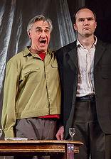 Анатолий Васильев и Егор Баринов в спектакле «Семейный ужин в половине второго»