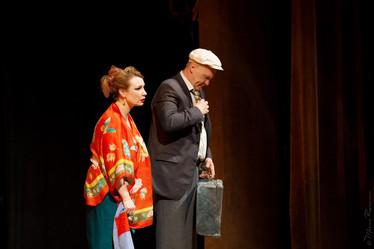 Ольга Тумайкина. Фотография спектакля«Любовь и голуби»