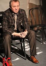 """Андрей Зарецкий. Фотография спектакля""""Игры одиноких"""". Фото Ксении Риклес"""
