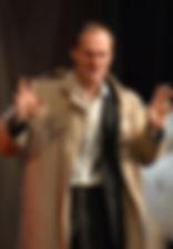 """Егор Баринов в спектакле """"Семейный ужин в половине второго"""", 2016 год"""