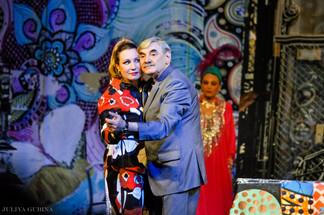 Ольга Тумайкина. Фотография спектакля «Ты — мне, я — себе»