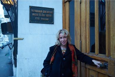 """Юлия Рутберг. Фотография с фотосессии для проекта""""Узнай Москву"""""""