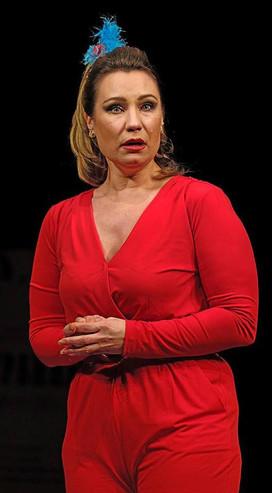 Ольга Тумайкина. Фотография спектакля«Курица»